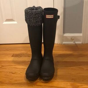 Worn once hunter boots w/sock